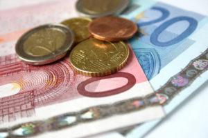 Die Rentenversicherung können Sie auflösen, wenn die Situation für Sie schwierig ist und Geld benötigt wird.